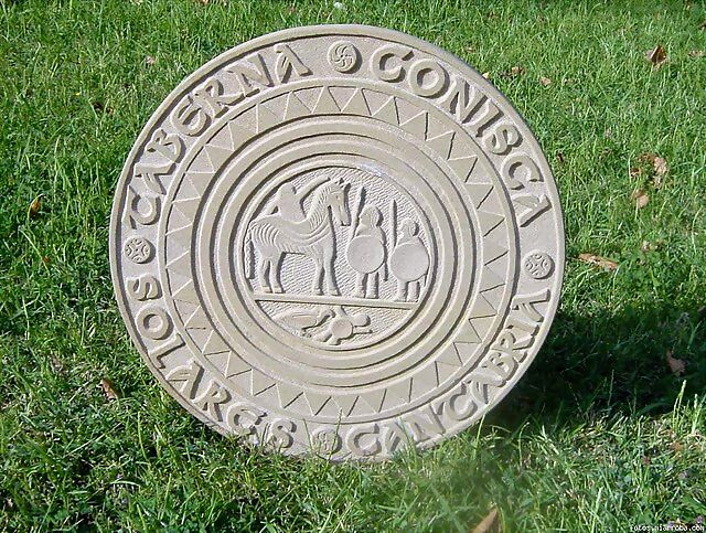 Estela de Zurita para la Taberna Conisca de Solares.