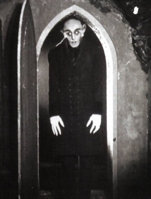 a comparison of the movies dracula and nosferatu In comparison to stoker's extended social morality play, murnau's nosferatu  becomes  in his film, the sources of dracula's alienation and depravity remain.