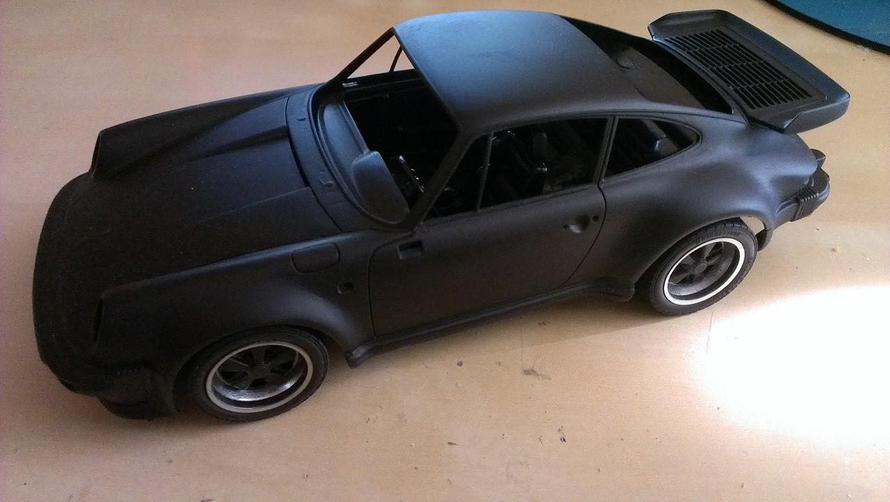 Porsche 911 Turbo´88  Tamiya 1/24 315365DB272E534810E828534810BE