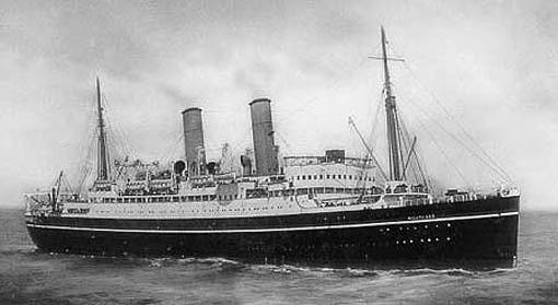 El HMS Forfar como buque de pasaje civil, aún con el nombre de SS Montrose