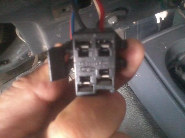 Verifique la luz del motor en escolta ford