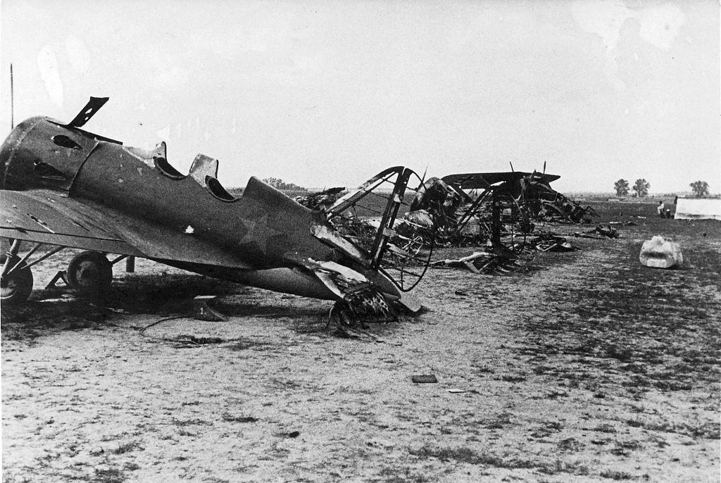 Biplaza UTI-4, versión de entrenamiento, parcialmente destruido durante la Operación Barbarroja en 1941