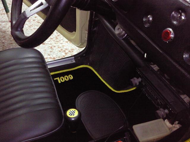 Seat 600 pedido alfombras de moqueta compras y - Como poner moqueta ...