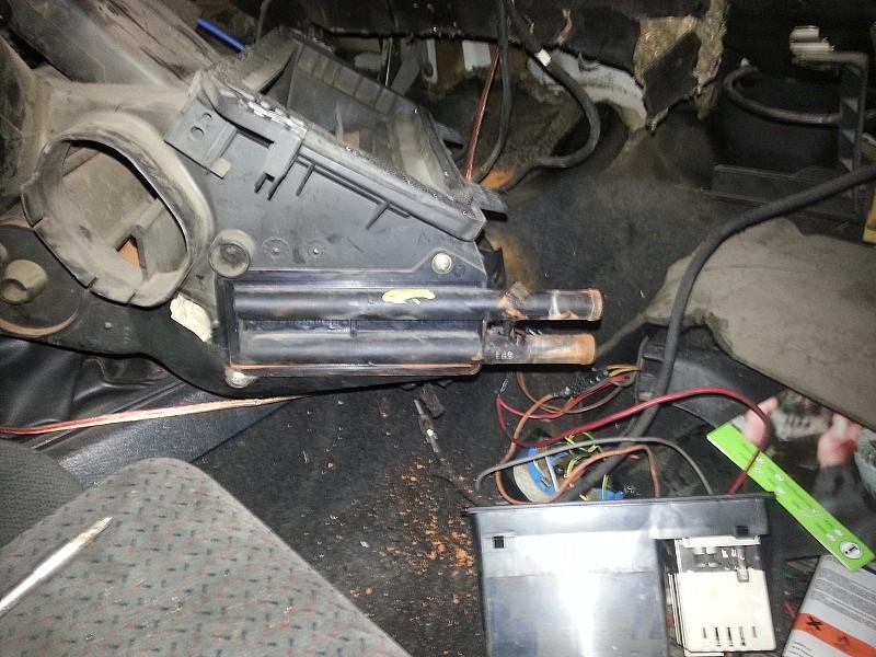 Club ford sierra sustitucion de radiador calefaccion - Cambiar termostato calefaccion ...