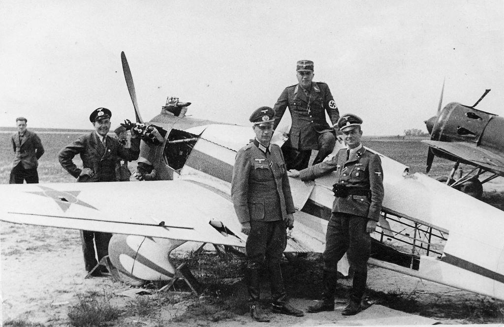 Avión de entrenamiento Yakovlev UT-1