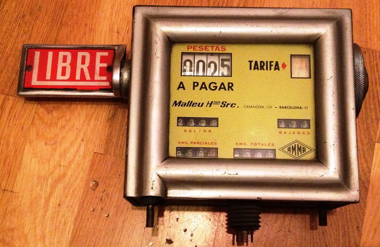 Seat 600 - VENDIDO taxímetro antiguo año 1958 AMMA Video de ...