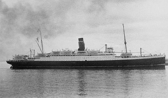 El SS Aurania en su época de buque de pasaje