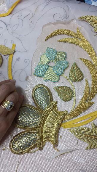 Foro cofrade de latrabajadera com curso de bordado en for Bazar en cordoba