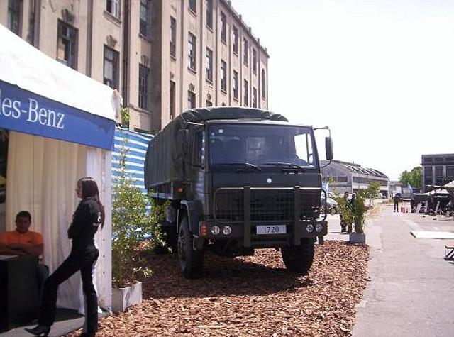 La industria nacional renueva del parque automotor militar
