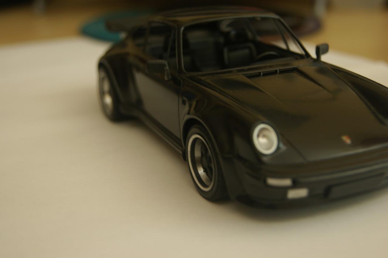 Porsche 911 Turbo´88  Tamiya 1/24 305365DB802E534811423053481117
