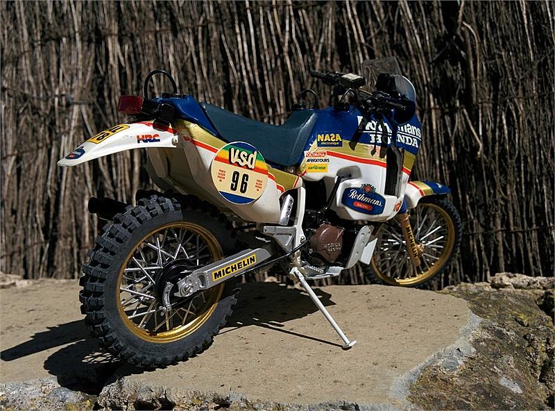 HONDA NXR 750 PARÍS DAKAR 1986. 1:12. 2D5408322F24537A315222537A30F6