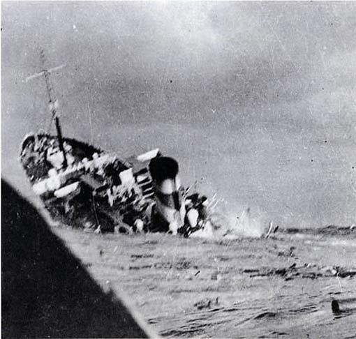 Una espectacular imagen del hundimiento del HMS Rajputana