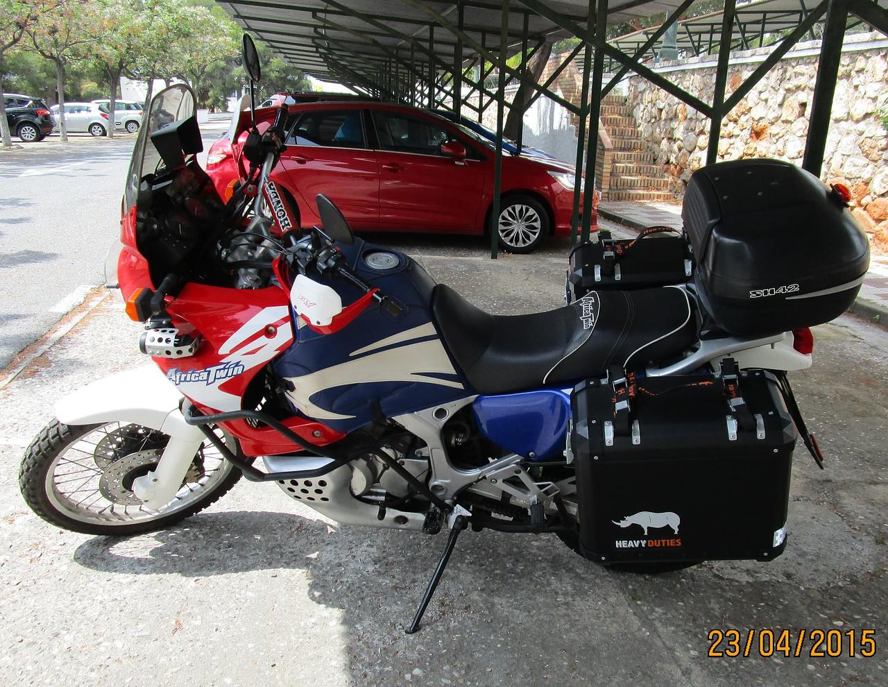 Africa Twin Club España - Que maletas pongo en una RD07A ...