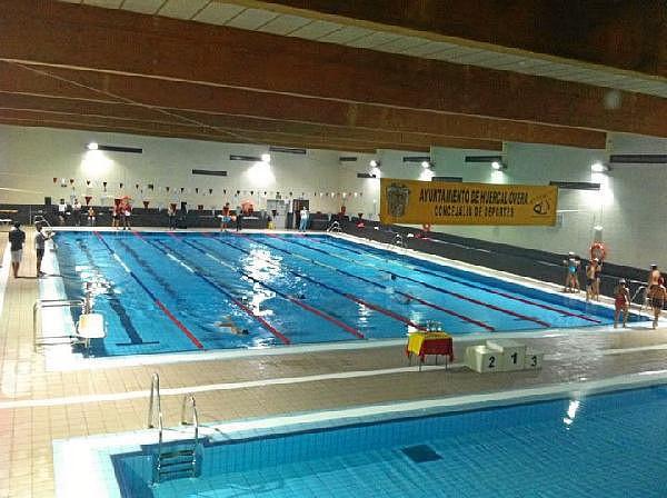 Somos albojenses situaci n de la piscinas cubiertas en for Piscina municipal almeria