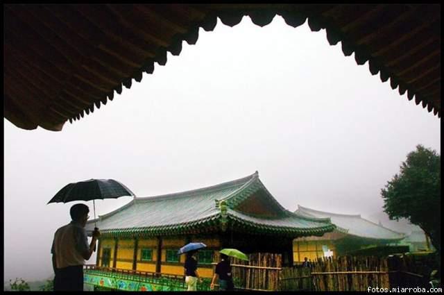 Templo Baeknyeong-Sa. Korea del Sur