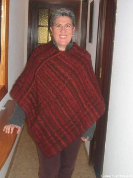 Cafetito poncho de lana punto de media nuestras labores - Labores de punto de lana ...