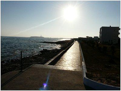 paseo marítimo sobre el agua