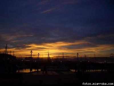 Anochecer en el puerto deportivo de Gij?n