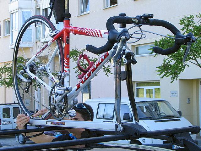 Portabicis en baca foro de cicloturismo y viajes en - Anclaje para bicicletas ...