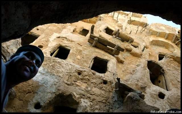 Castillo de 800 a?os de antig?edad en Nalut, Libia