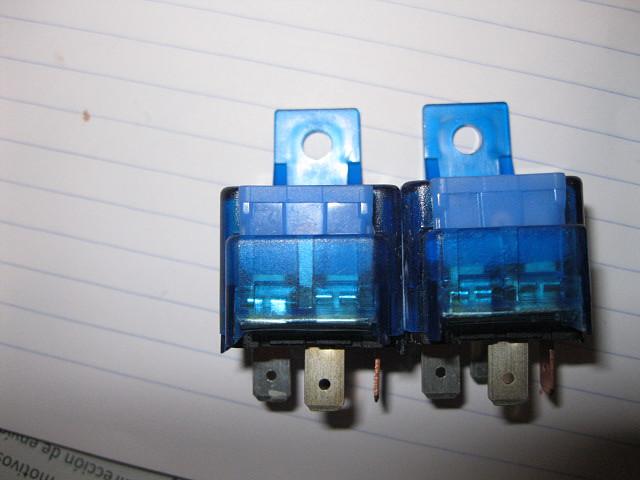 rel? doble con fusibles incorporados 001