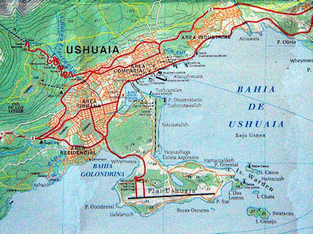 Mapa de Ushuaia, península, bahía y zona montañosa