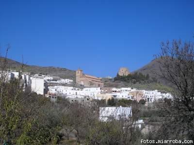 Vista Iglesia y Castillo de Gérgal desde el Puente