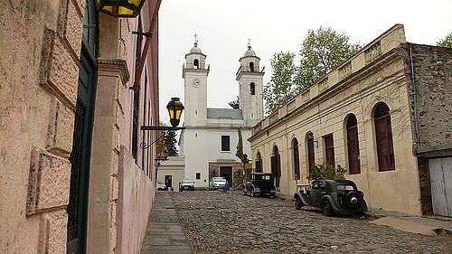 Uruguay Calle_en_Colonia_del_Sacramento
