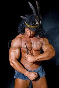 11783508-hombre-fuerte-atletico-con-un-cuchillo-sobre-un-fondo-negro