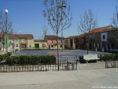Imagen de la plaza mayor con el suelo remodelado (Consu.MC)
