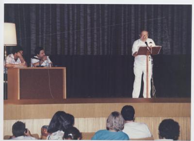 Paco Llorca, recitando poemas de Mariano