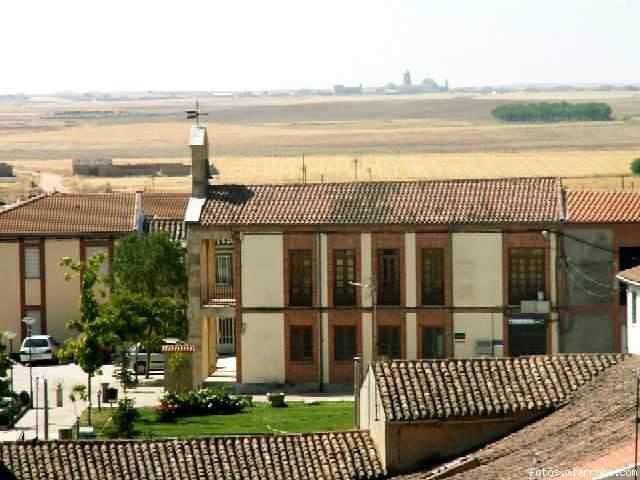 El ayuntamiento desde la iglesia