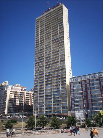 Edificio Habana verano 2007
