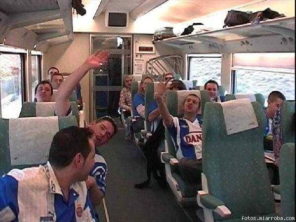 En el tren molt ben acompanyades