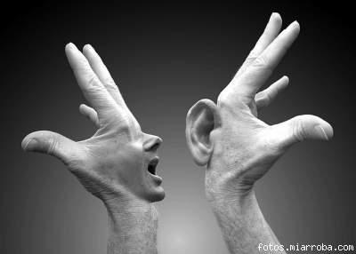 Conversación de manos