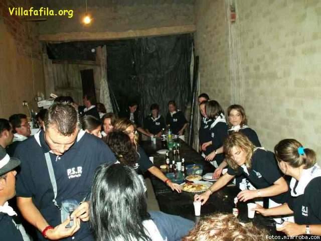 Agosto 2005 terminando de cenar