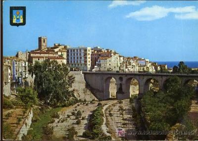 Villajoyosa, puente y casas de colores