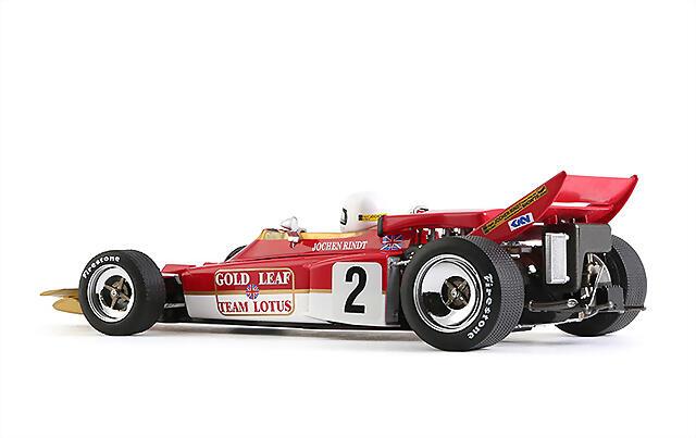 CAR02a_Lotus72_03