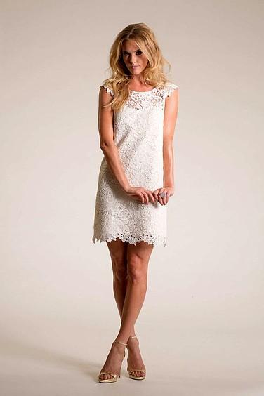 Peinados con Vestidos de novia cortos Volumen