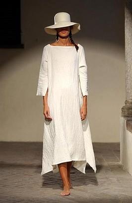 Peinados con Sombrero para Vestidos Blancos Midi, Encaje y Fiesta