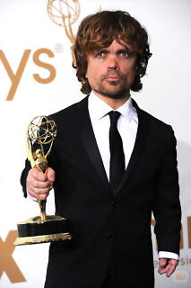27868_peter-dinklage-emmy-2011-mejor-actor-secundario-drama