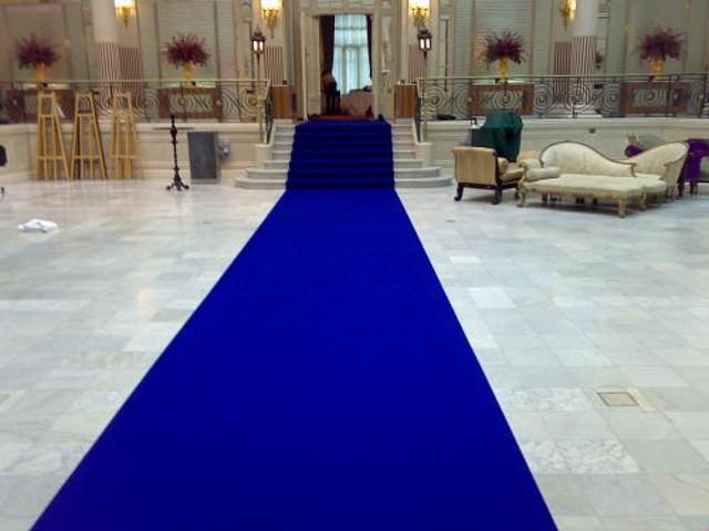 alfombra-azul-para-bodas-5605304z0