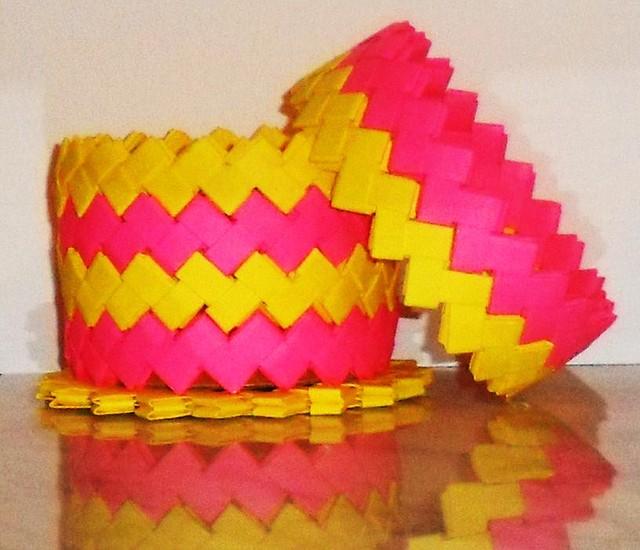 Caja mediana rosa fucsia y amarillo + tapa