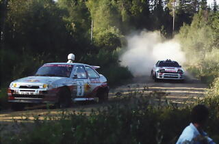 Ford Escort RS Cosworth 1994 -- Vatanen RED BULL