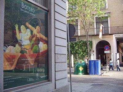 Exposicion de Botero frente a la exposición