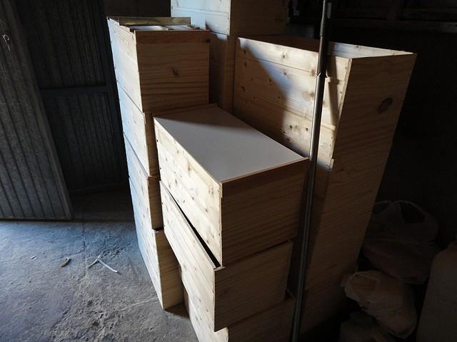 13 cajas poniendo tapes