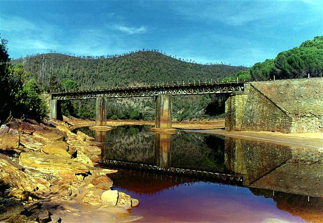 Puente del Manzano, aguas arriba.FC Riotinto