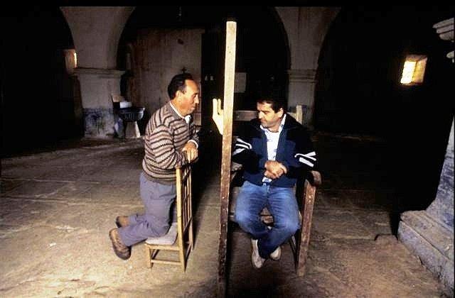 Confesión en Faramontanos. Foto F. Medrano