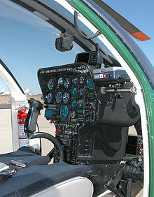 220px-Md500e-cockpit-aradecki-070316-01