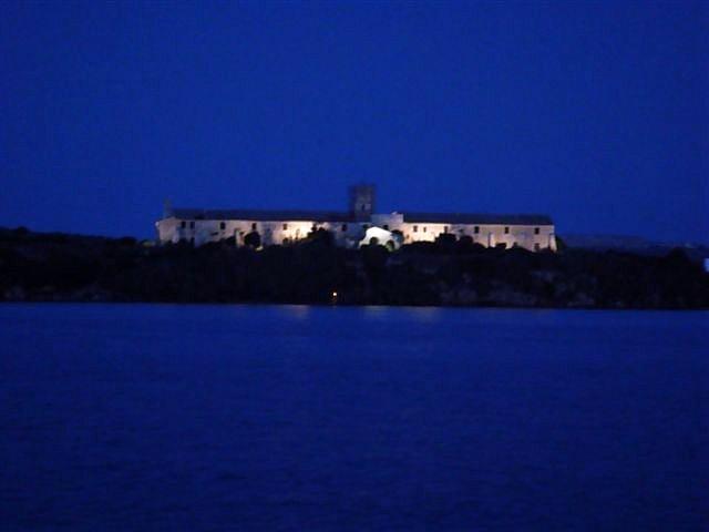 Isla iluminada Julio 2009
